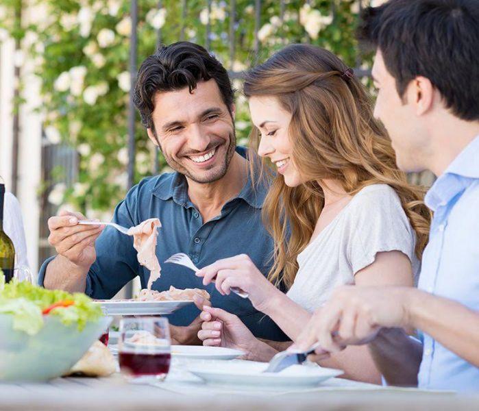 Cena con amigos por un chef privado urban chefs chef privado - Cena con amigos en casa ...