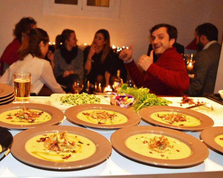 Cena sorpresa con amigos en casa urban chefs chef privado - Cena con amigos en casa ...